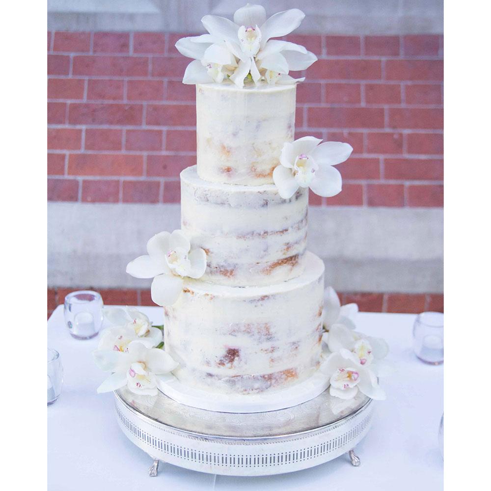 10 utterly scrumptious naked wedding cakes – Affinity Weddings